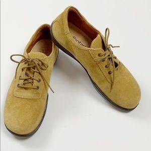 NWOT Footprints by Birkenstock Padua Suede Oxford